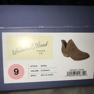 Universal Thread Shoes - Booties
